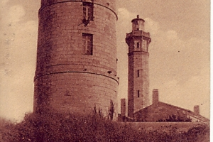 La tour et le phare des Baleines à Saint-Clément