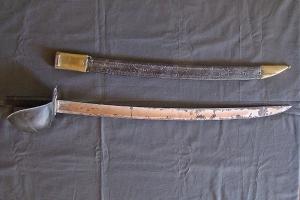 Sabre d'abordage dit cuiller à pot. Manufacture de Klingenthal 1829. Don de l'Association des Amis du musée