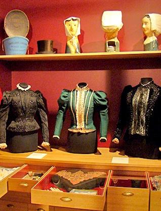 Musée Ernest Cognacq salle textile